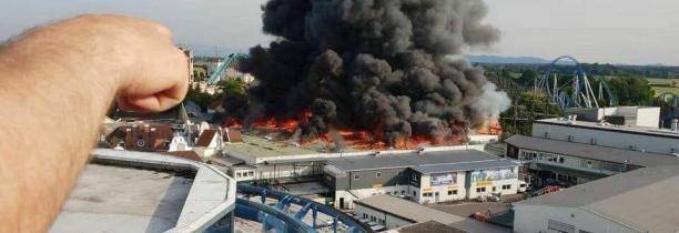 Des milliers de personnes évacuées - Aucun blessé mais de gros dégâts dans le parc de loisirs Europa-Park en Allemagne