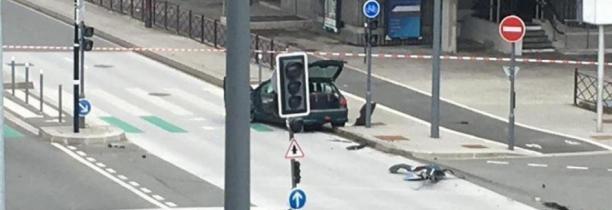 FIN OPERATION: aucun colis piégé à l'intérieur d'une voiture accidentée, près du CHRU de Lille